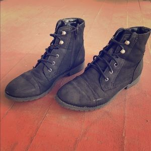 Madden Girl Black Army Booties Size 6.5